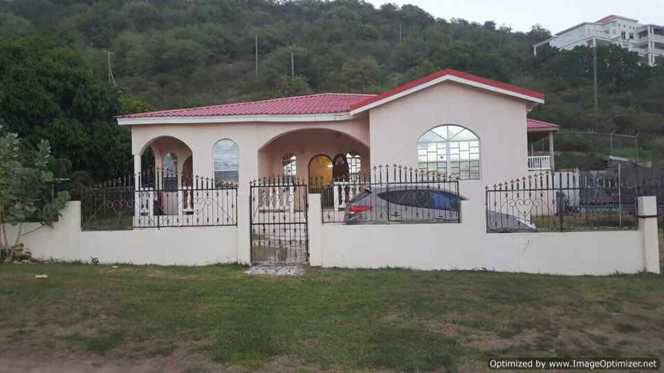 3 bedroom apartment for in conaree, 3 bedroom house for rent in St Kitts, St Kitts apartment for rent